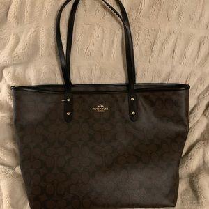 Extra Large Coach Bag!!💜💜